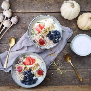 Saturday Breakfast for MiniChamps😋  #CoconutYoghurt #Muesli #RawHoney #Pistachio  #Smoothie #Coconutmilk #Banana #Flaxseed #Strawberries  #YammieYammie